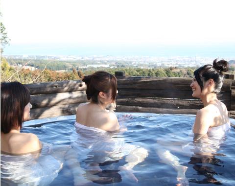 天然石の露天風呂